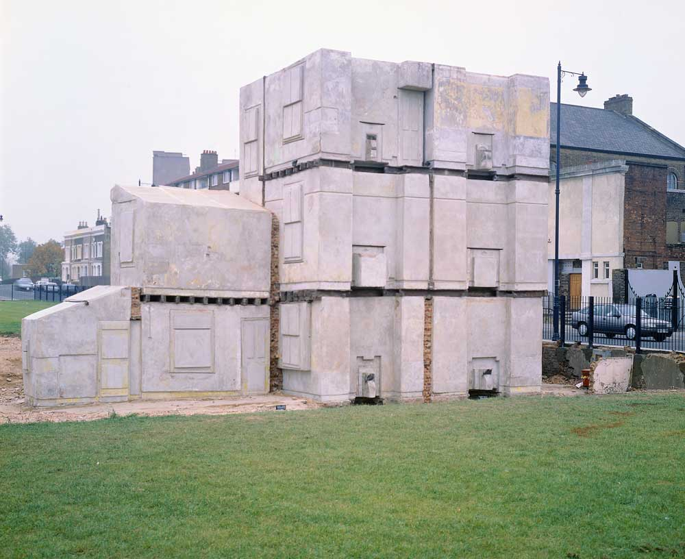 rachel whitereads house The artist rachel whiteread creates elegant and poetic sculptures which explore architecture, space, absence and memory often inspired by the physicality of the.