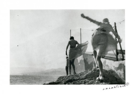 Bibi, Arlette and Irène. Storm in Cannes (May 1929), Jacques-Henri Lartigue