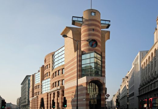 No. 1 Poultry, designed in 1985–88 by James Stirling and Michael Wilford and completed in 1997.