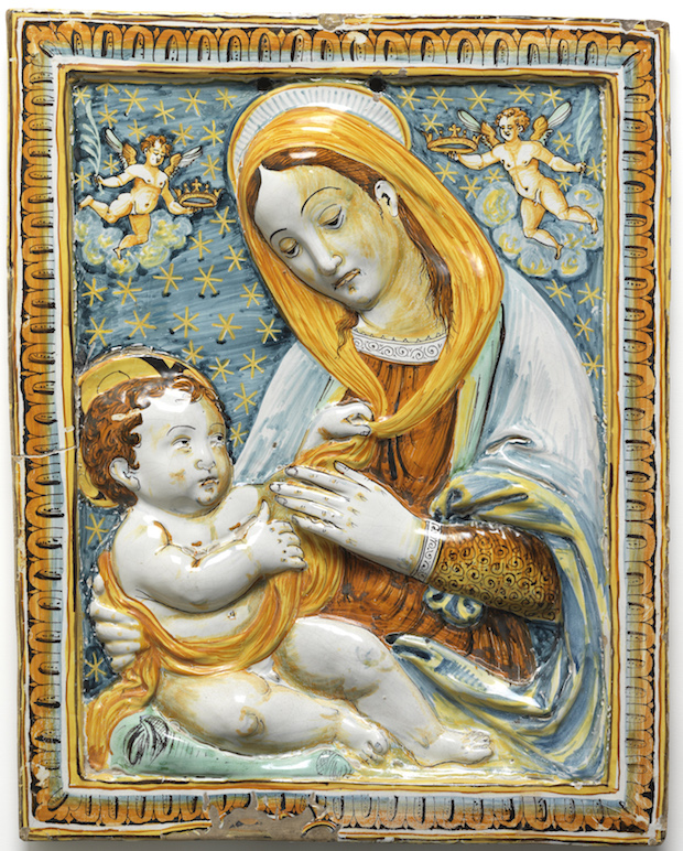 Maiolica panel, painted with a half-length figure of the Virgin with the infant Christ (c. 1600–1700) artist unknown. © Fitzwilliam Museum, Cambridge.